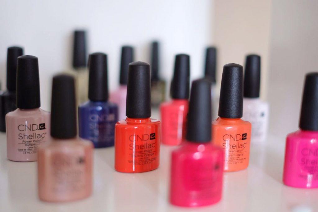 Sommerliche Shellac Farben